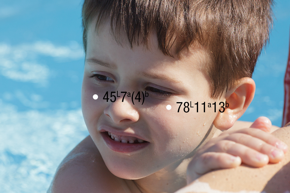 L'immagine originale: la pelle è blu nelle aree in ombra.