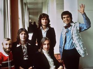 I Genesis all'Hotel Savoy, nel 1975. © 1975 Armando Gallo.
