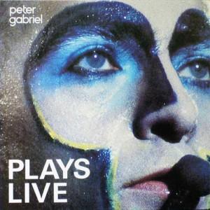 """La copertina di """"Plays Live"""" di Peter Gabriel. Un taglio geniale dell'originale, secondo Armando."""